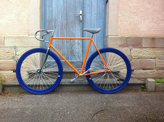 pignon-fixe-motobecane-orange-et-bleu-2