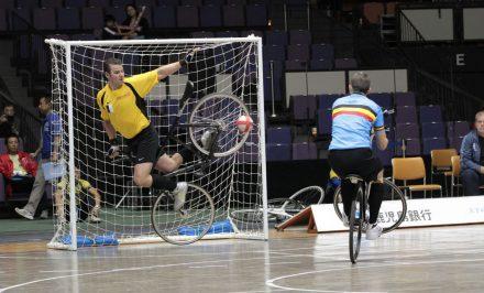 Le cycle-ball, un sport mélangeant le vélo et le foot