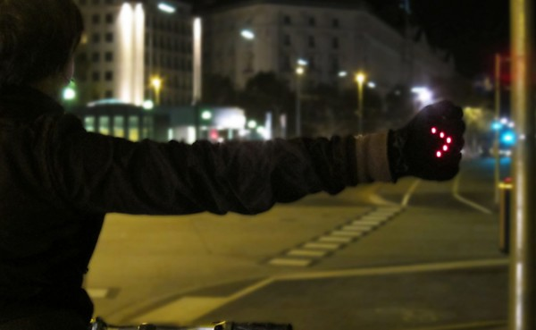 Une bonne idée, le Night Biking Gloves