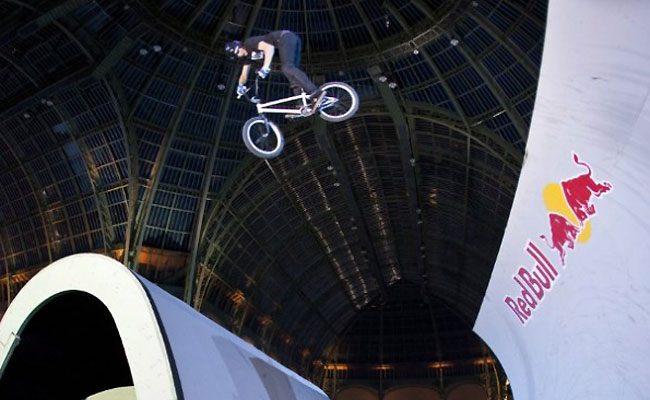 red-bull-skylines-2012-paris