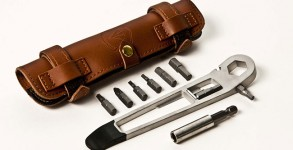 multi-tools-the-nutter-full-windsor