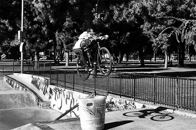 leader-usa-matthew-spencer-fixie-video