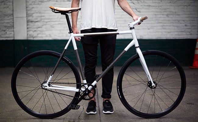 Pignon fixe Trophy Bike par Rapt Studio