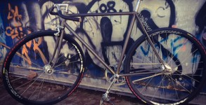 pignon-fixe-urbain-cadre-brut-no-paint