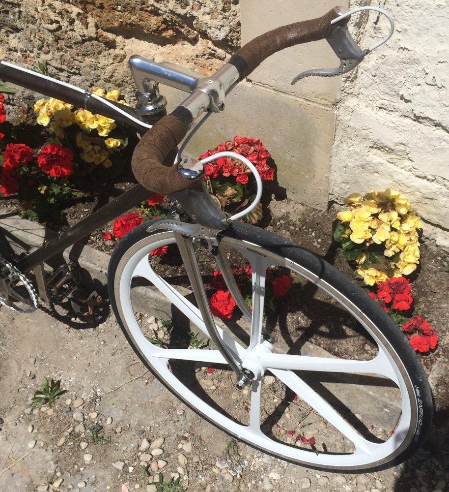 Singlespeed d'un internaute sur une base de vélo Cinelli