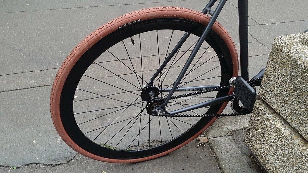 Tout savoir sur le pneu de v lo kenda kwest 700x28c for Taille chambre a air velo