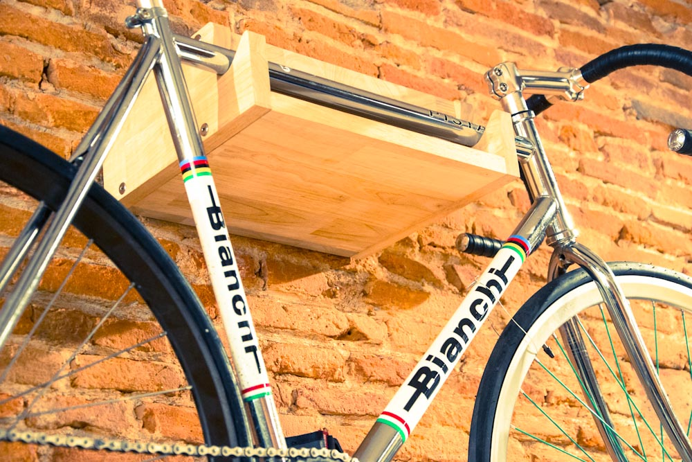 lev original un objet pratique afin d 39 exposer vos v los fixie singlespeed infos v lo fixie. Black Bedroom Furniture Sets. Home Design Ideas