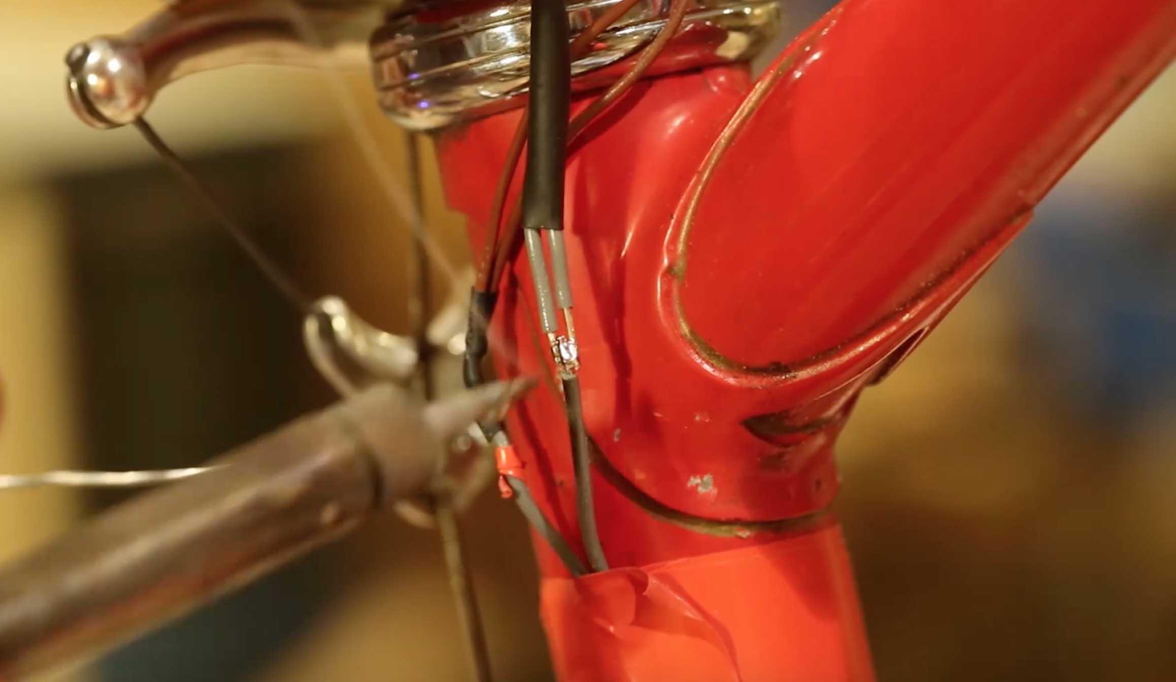 Se fabriquer un vélo phosphorescent et LEDS UV