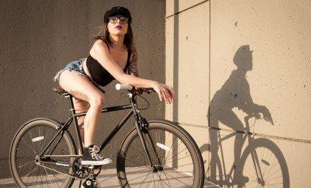 fille sexy velo bike fixie singlespees tatoo