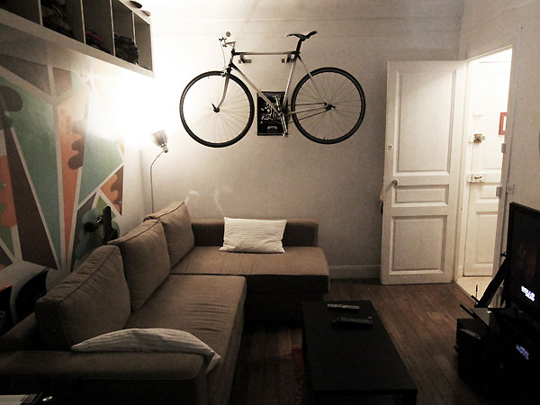 comment ranger son singlespeed dans un studio fixie. Black Bedroom Furniture Sets. Home Design Ideas